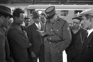 Controllo documenti alla stazione di Briga